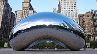Cloud Gate sculpture in Chicago IL